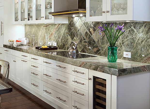 Beautiful backsplash as the focal point of a Jacksonville, FL kitchen