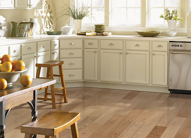 Hardwood flooring in Niceville, FL from MIDBAY Flooring and Blinds