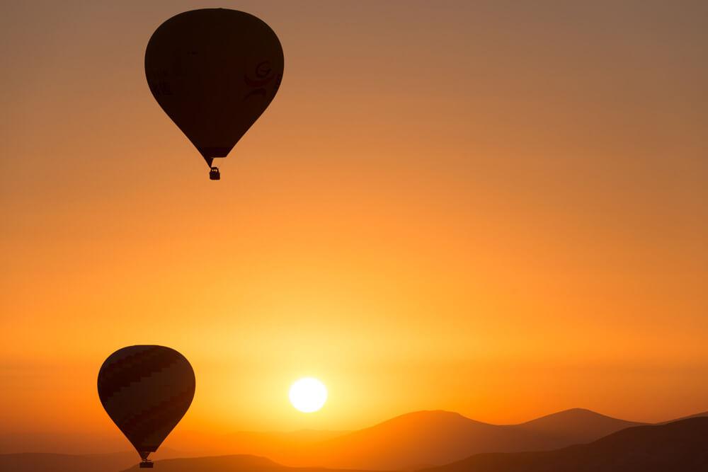 -absolutely_free_photos-original_photos-hot-air-balloon-at-sunset-2880x1922_20981