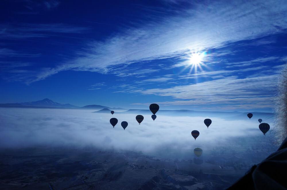 hot-air-balloon-682553