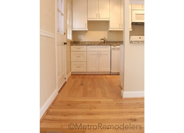 Neutral Hardwood White Cabinetry