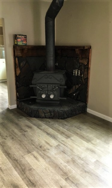 Laminate plank flooring in Absarokee, MT from Covering Broadway