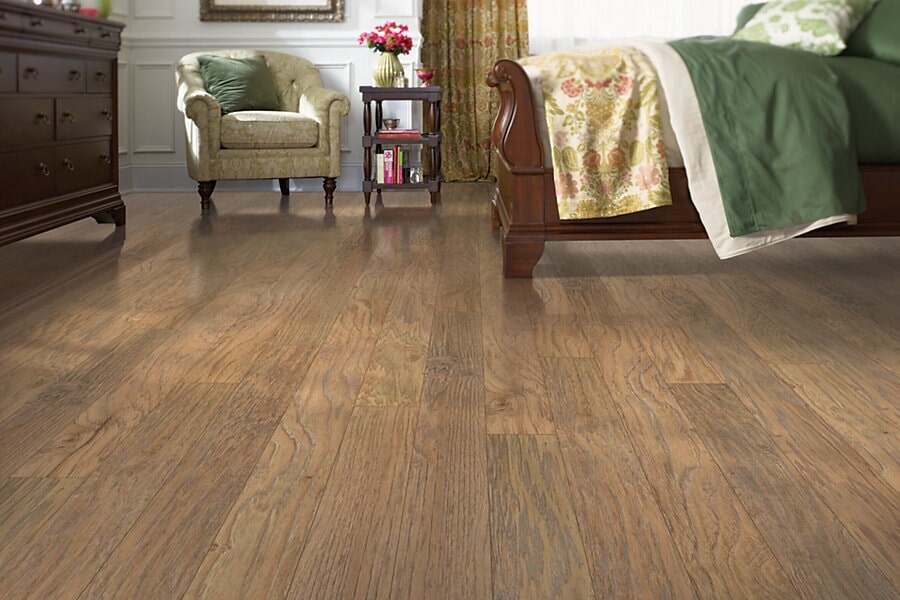 Mohawk laminate flooring in Roberts, MT from Covering Broadway