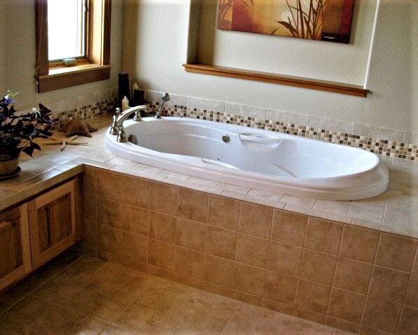 Bathroom tile installation in Columbus, MT by Covering Broadway