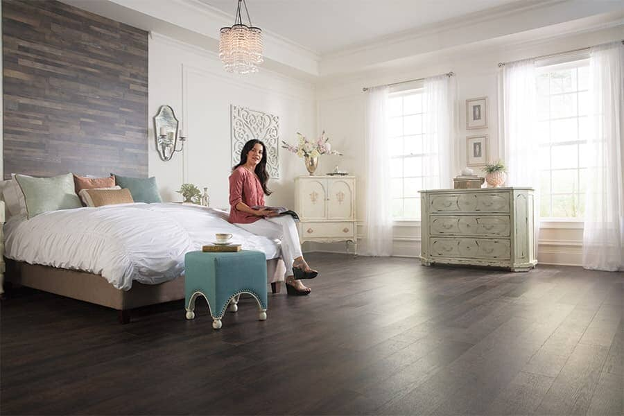 Luxury vinyl plank flooring in Canton MO from Carpet & Rug Gallery