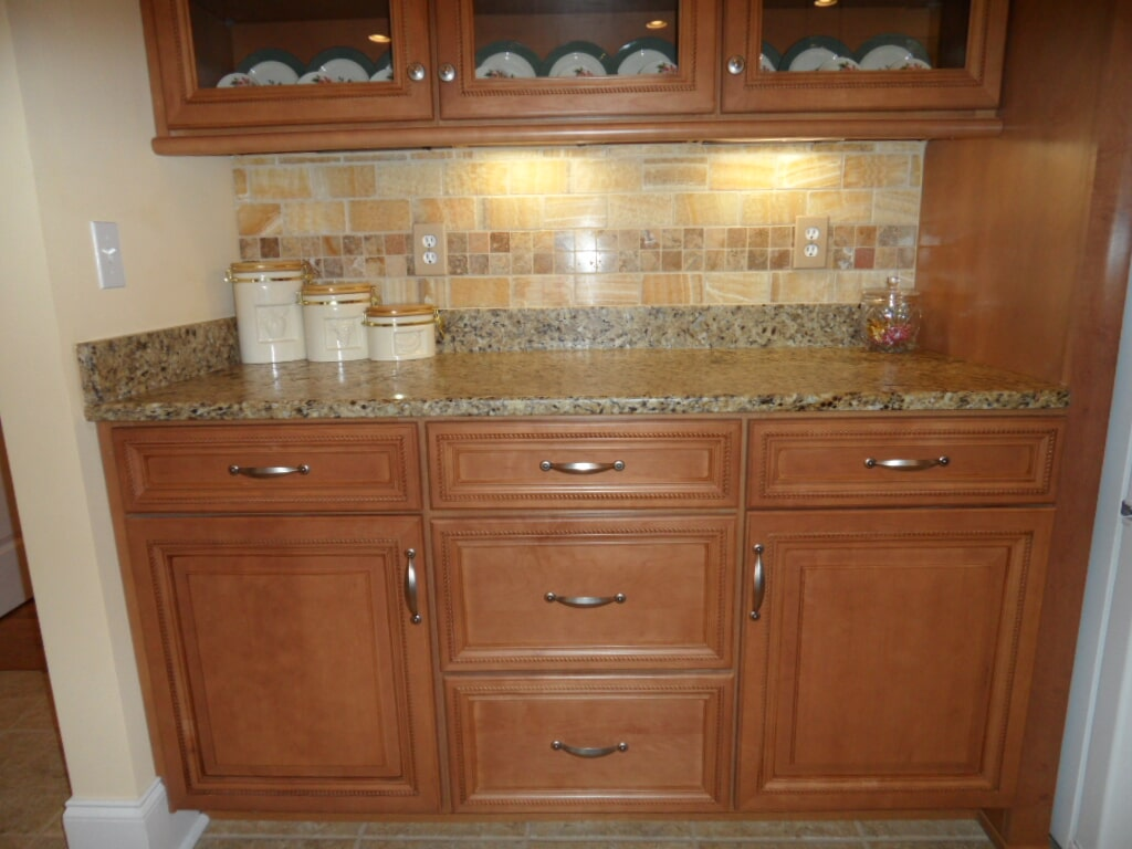 Luxury mini bar in Athens AL from Alabama Custom Flooring & Design