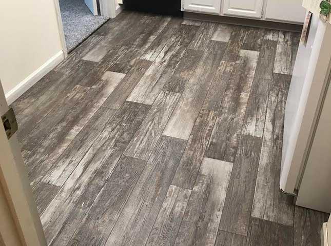 Durable vinyl floor installation in Zanesville OH from Lavy's Flooring