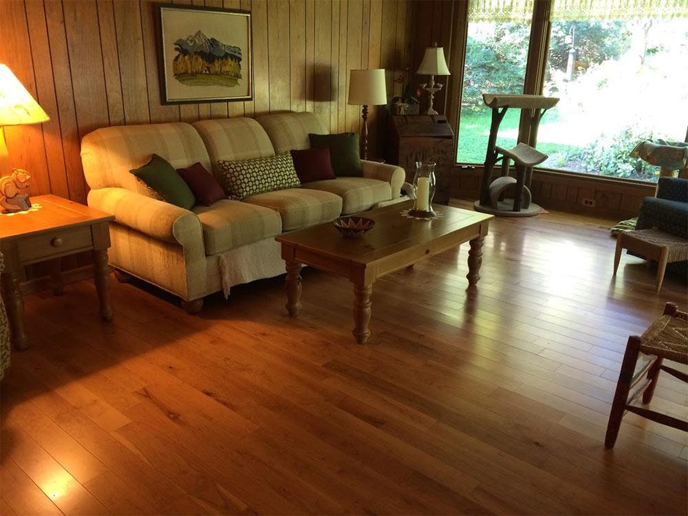 Hardwood flooring in Frankfort, IL from Sherlock's Carpet & Tile