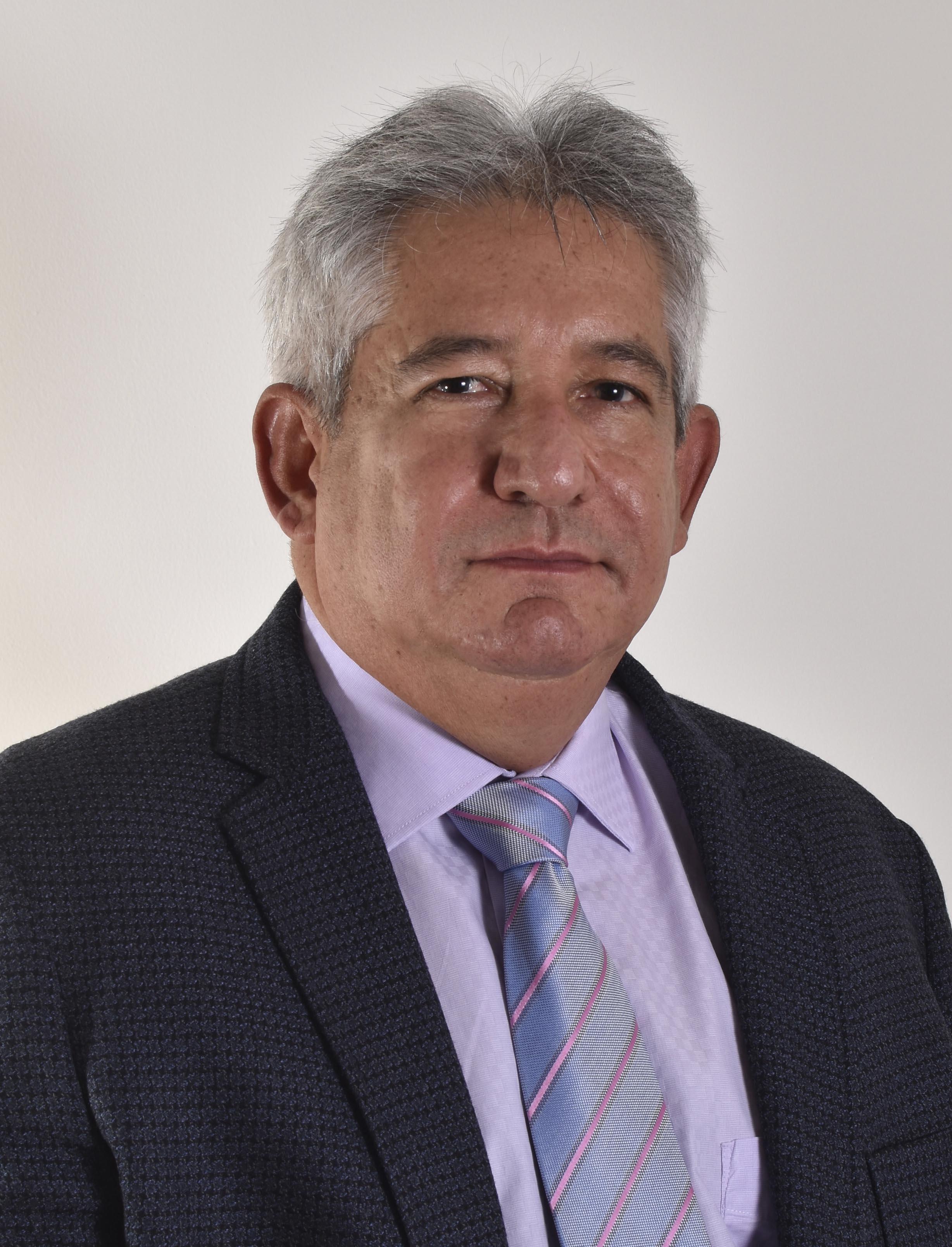 Salvador Insignares O. - Odontologo de la Universidad de Cartagena