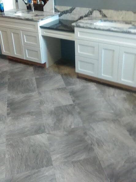 Luxury vinyl floor installation in Zanesville OH from Lavy's Flooring