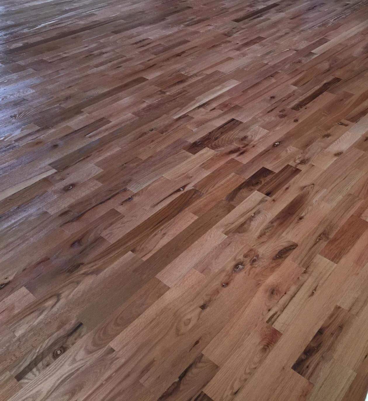 Unfinished #3 Common Red & White Oak Mix Natural Finish