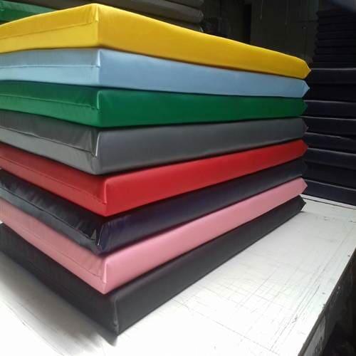 Colchonete colorido  modelo FNDE, Repouso, Trocador,Ginástica, impermeável, Certificado