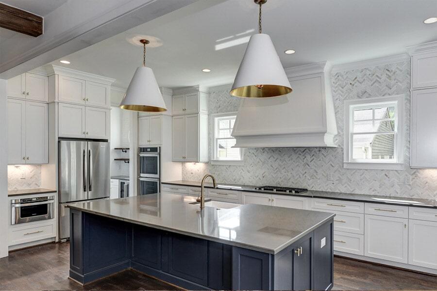Modern kitchen cabinets in Venice FL from Manasota Flooring