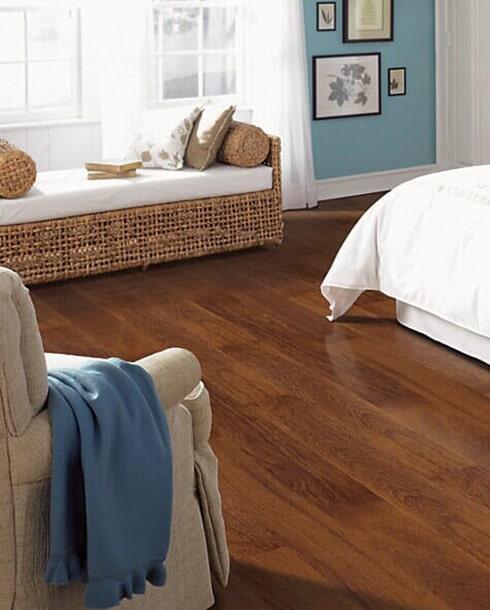 Laminate floor installation in Corona CA from Elci Cabinets & Floors