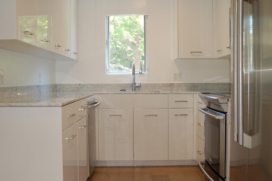 Custom apartment cabinets in Corona CA from Elci Cabinets & Floors