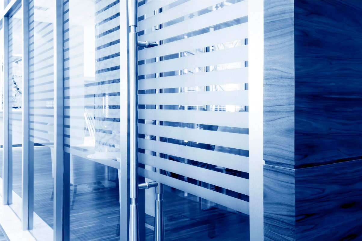Haro Importadores Cía. Ltda. - Instalación de vidrio flotado