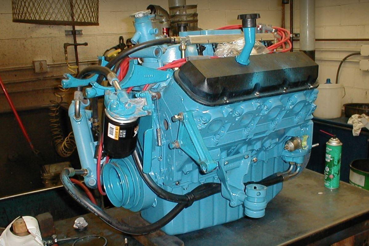 Marine boat engine