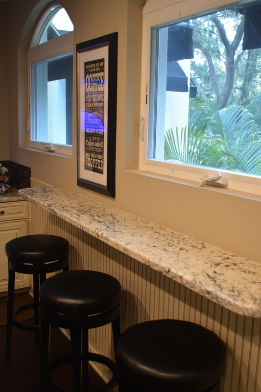 Kitchen bar counter in Tampa Bay FL from Relo Interior Services