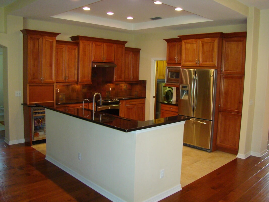 Modern kitchen remodel in Pinellas County FL from Relo Interior Services