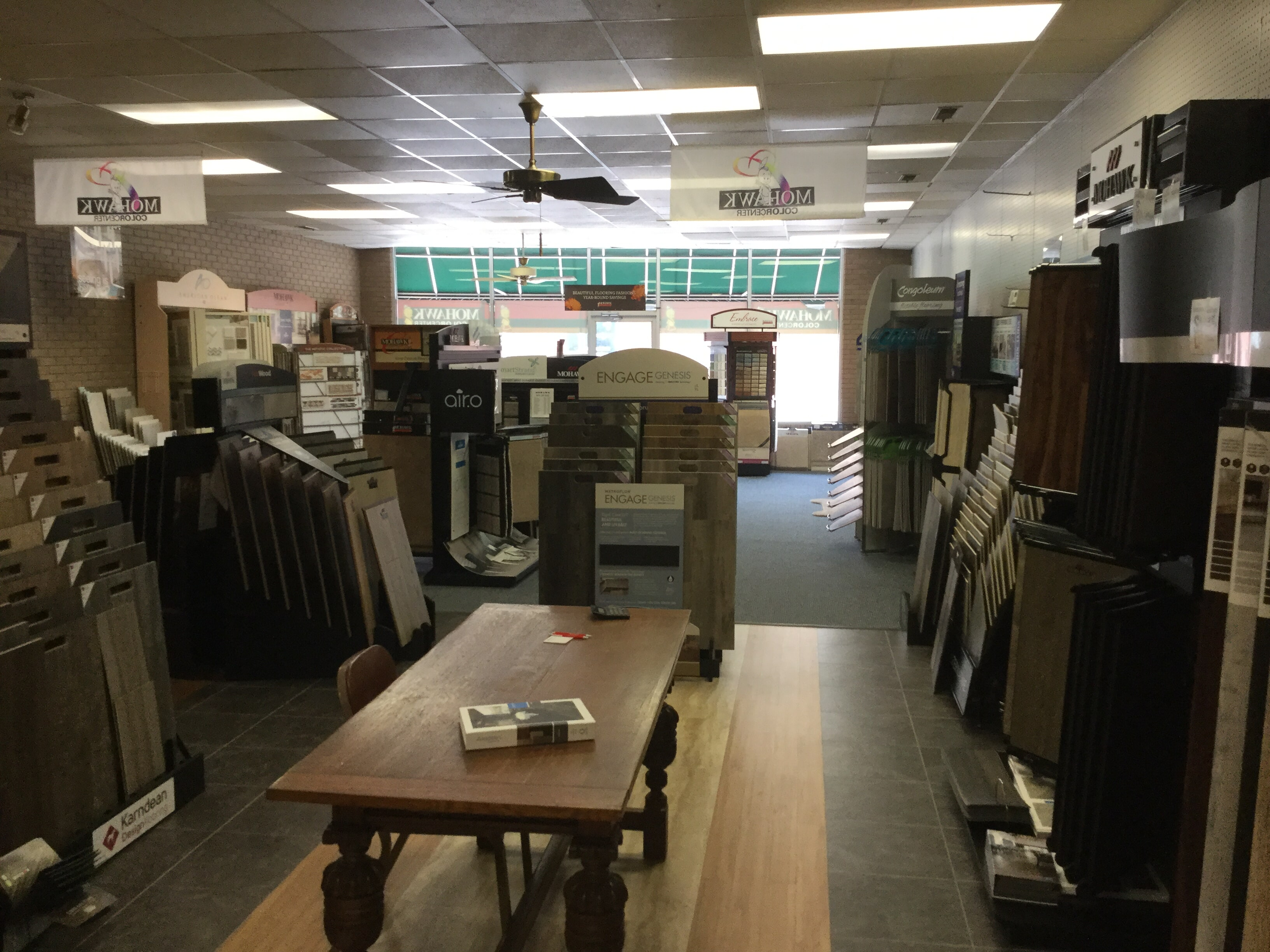 Luxury vinyl floor store near North Myrtle Beach,  SC - WF Cox Company