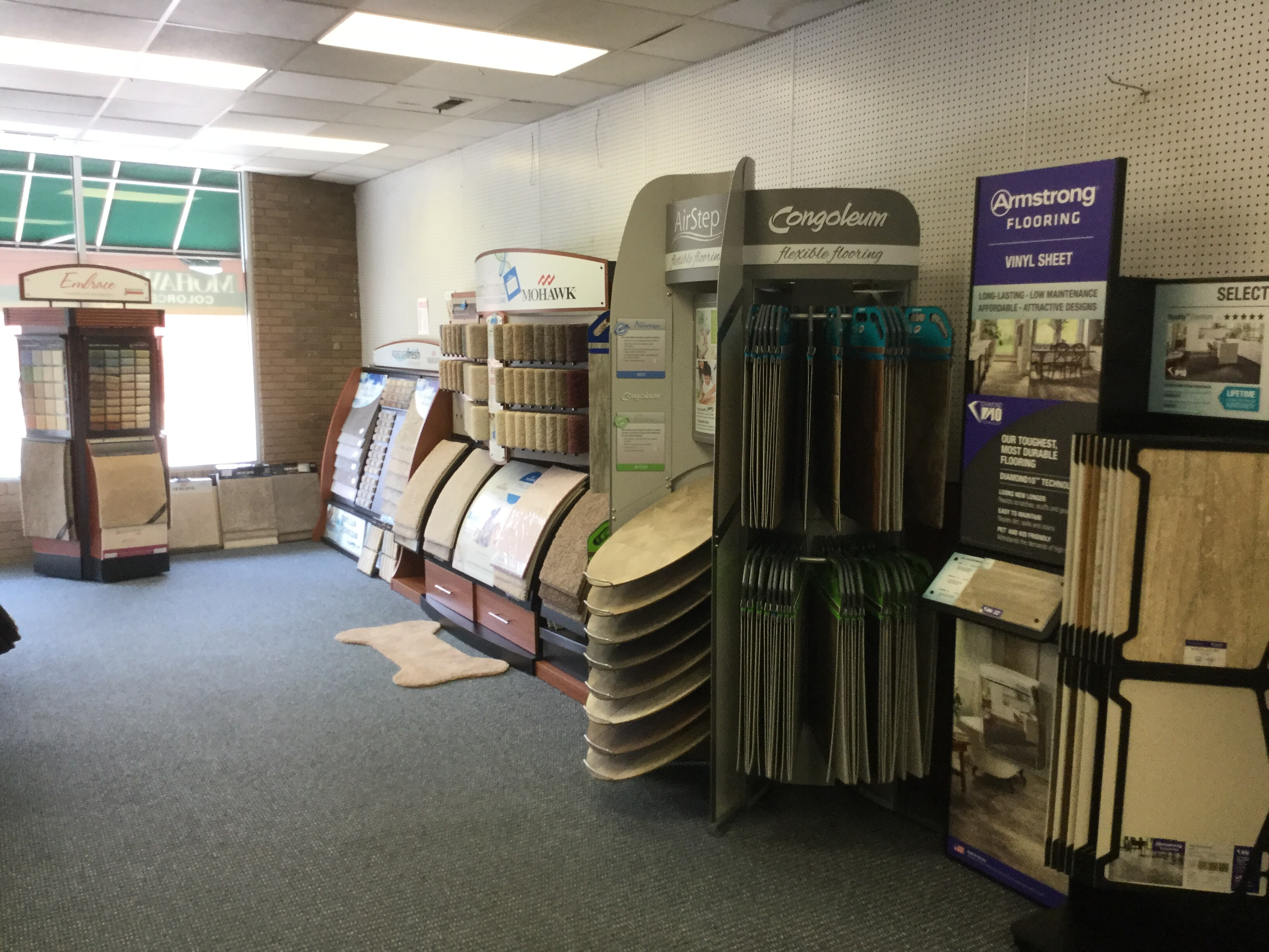 Luxury vinyl floor store near Aynor,  SC - WF Cox Company