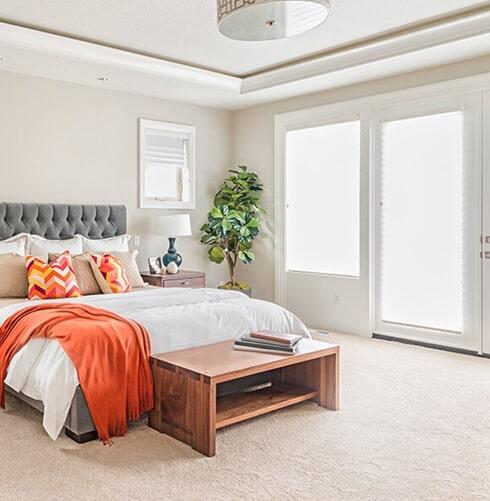 Luxurious carpet flooring in a Modesto, CA master bedroom