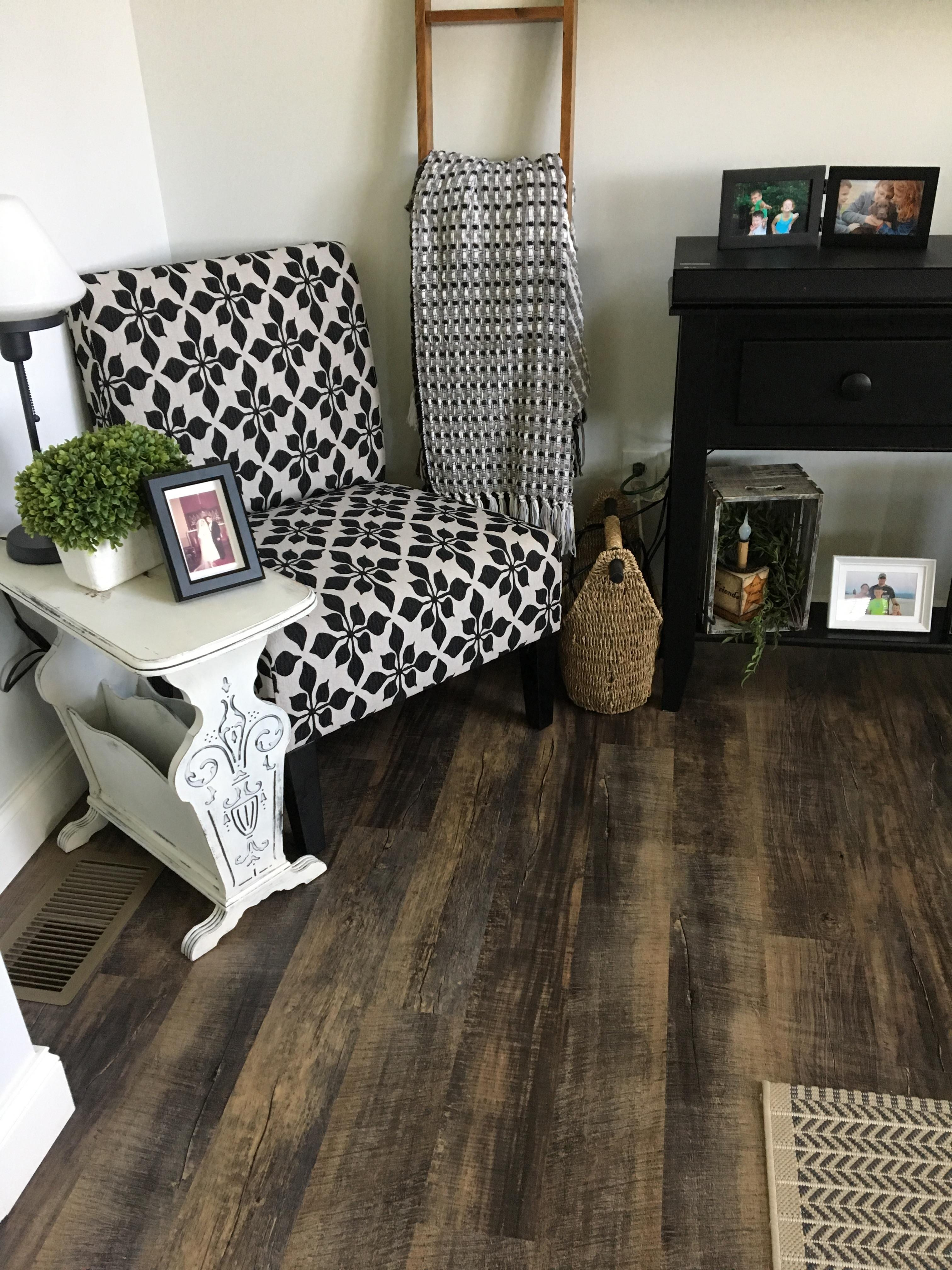 Living room: Luury Vinyl Plank mohawk solid tech galvyn color boardwalk