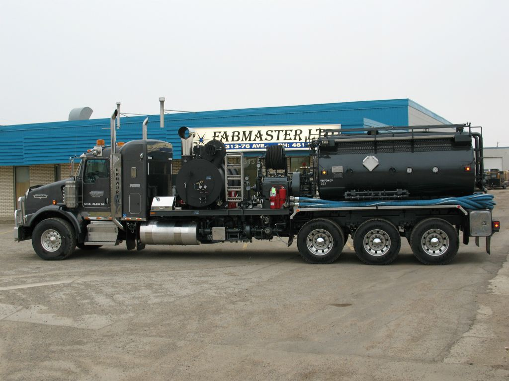 side view of truck fabrication done by Fab Master Ltd