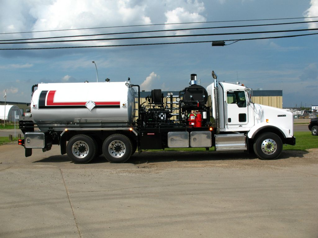 side view of a fabricated tanker truck