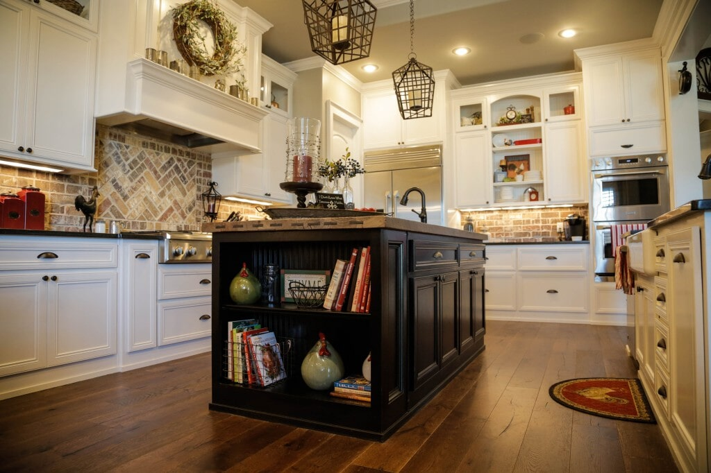 Modern farmhouse kitchen with rustic reclaimed wood flooring planks by Yates Flooring Center (2)