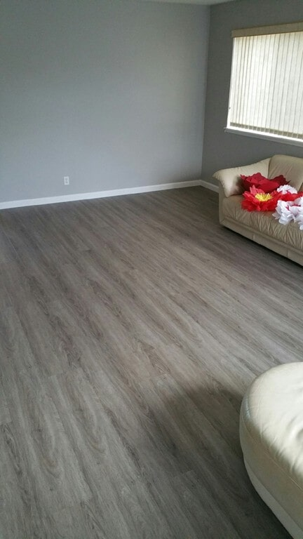 coretec_whittier_oak_living_room