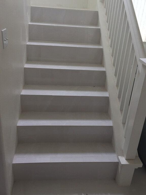 grand_boulevard_simple_white_steps_3
