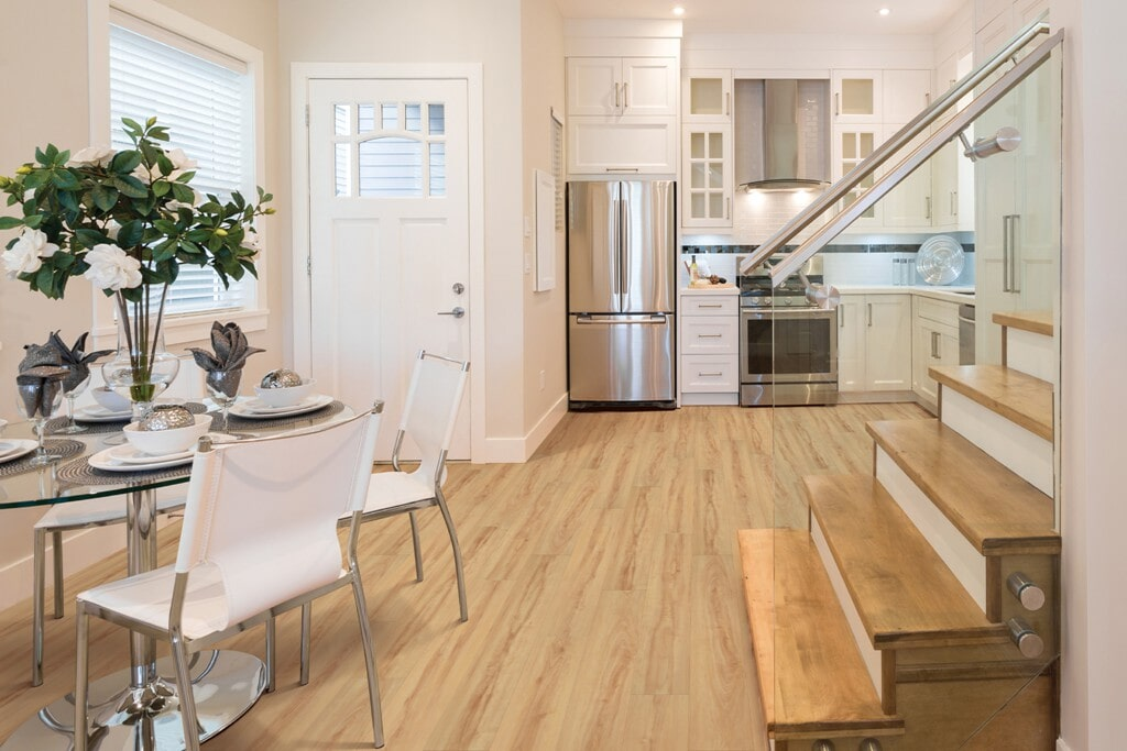 pacifica_maple_wood_kitchen_dining_room