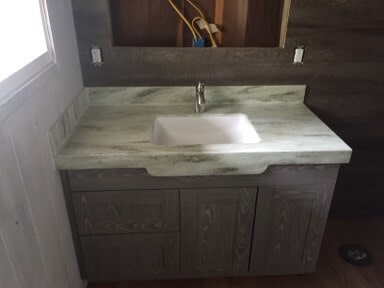 valore_pola_on_bath_cabinet