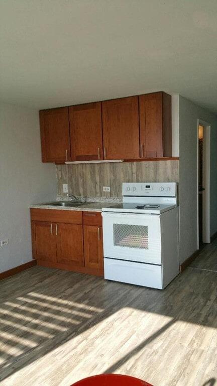 valore_pola_on_floor_and_wall_kitchen