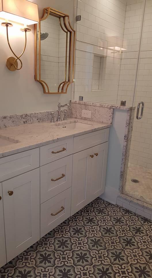 Beautiful bathroom remodel in Mount Pleasant, SC from Flooring Factory