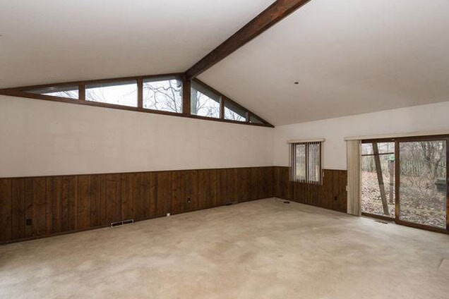Before a home remodel in Romeoville, IL from Twin Oaks Carpet Ctr LTD