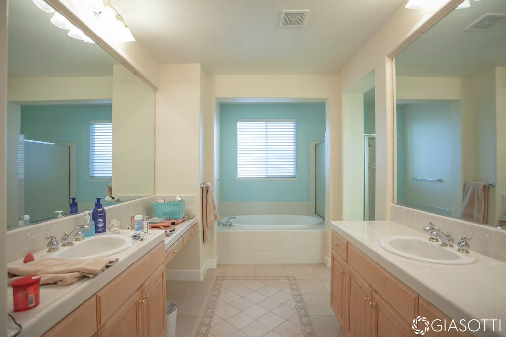 Tile bathroom before in El Dorado Hills CA from De