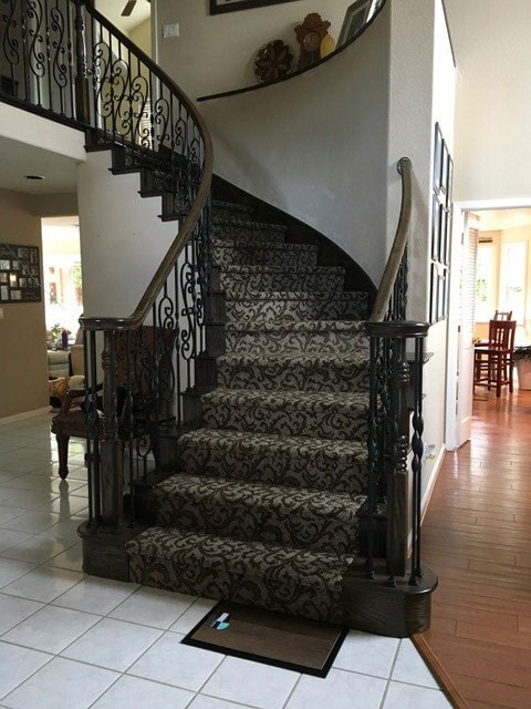 1 ANDERSON-TUFTEX-CARPET-ON-STAIRS1
