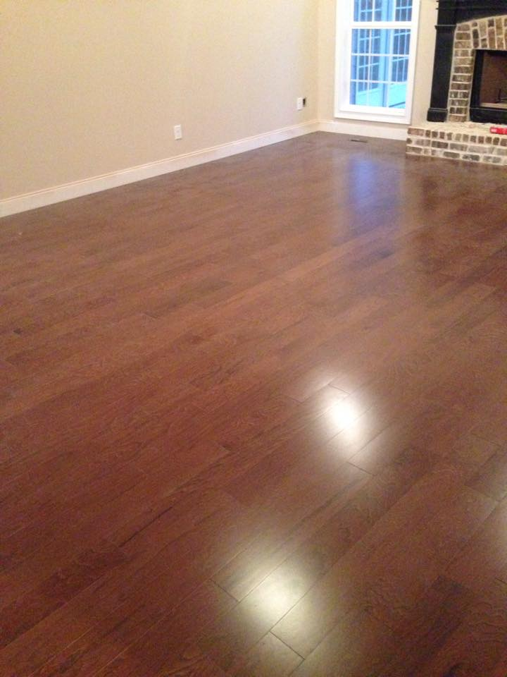 Medium color hickory hardwood flooring in Winder, GA