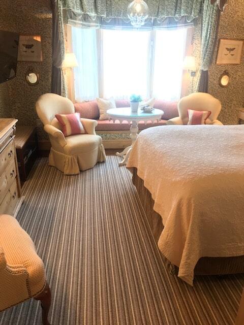 The Inn Room 4-2