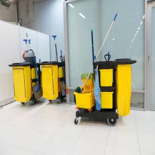 Brazlimp Serviços e Conservação - Limpeza Comercial - Mão-de-Obra e Equipamentos Adequados
