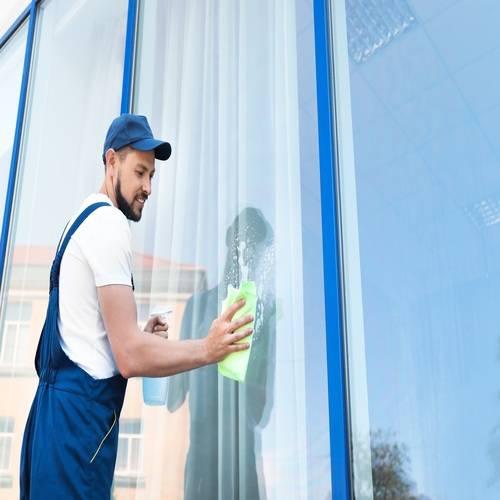 Brazlimp Serviços e Conservação - Limpeza de Vidros em Alturas