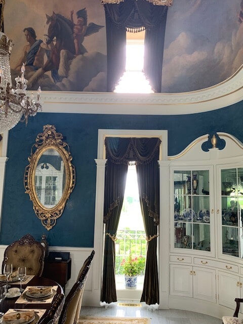 Classic window treatments in Warrenton, VA from Early's Flooring Specialists & More