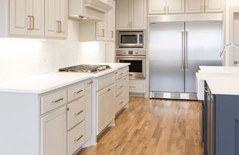 Kitchen cabinets in Bixby, OK from Superior Wood Floors & Tile
