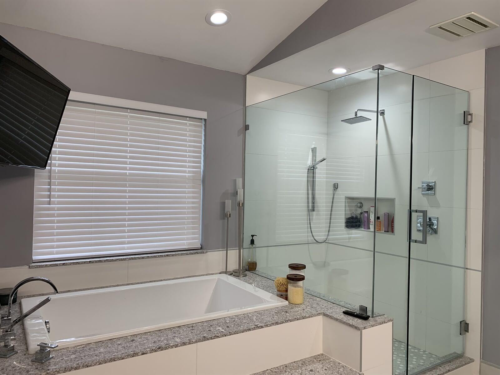 Bathrooms in Siesta Key, FL by Floors and Walls of Distinction