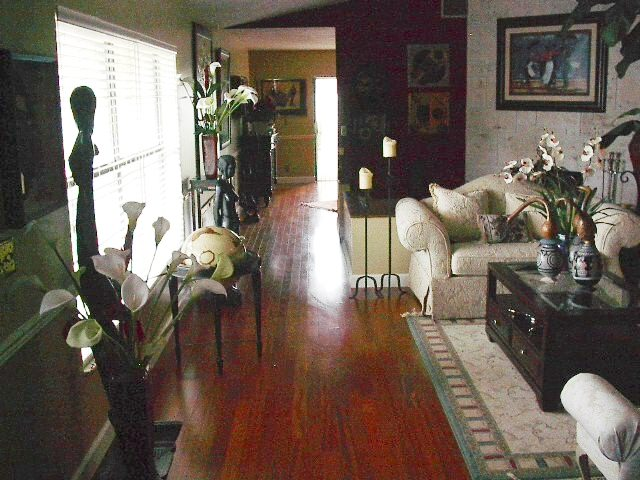 Beautiful home with laminate floors in Plantation, FL from Daniel Flooring