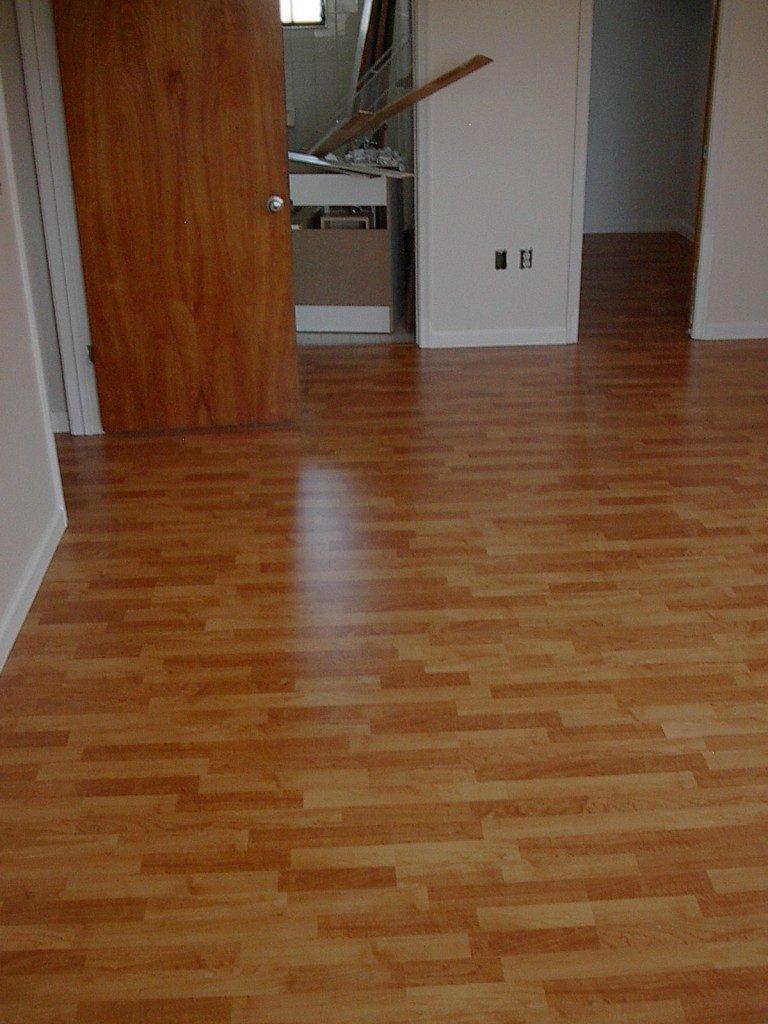 Laminate flooring living space in Hollywood, FL from Daniel Flooring