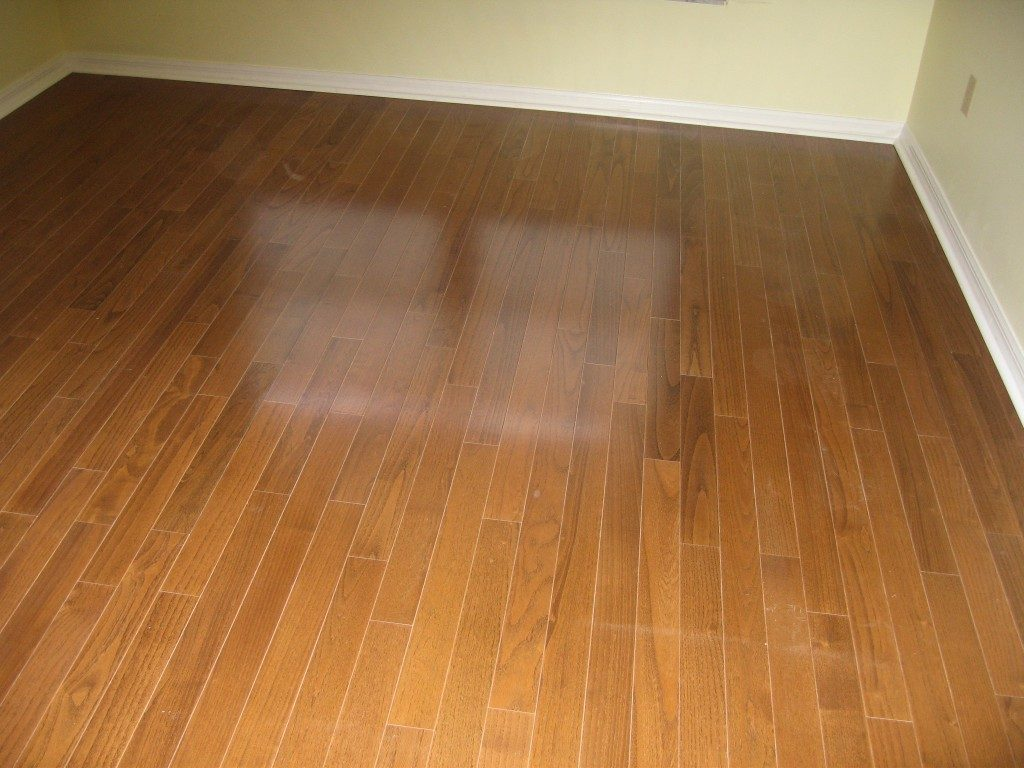 Hardwood look laminate flooring in Hollywood, FL from Daniel Flooring