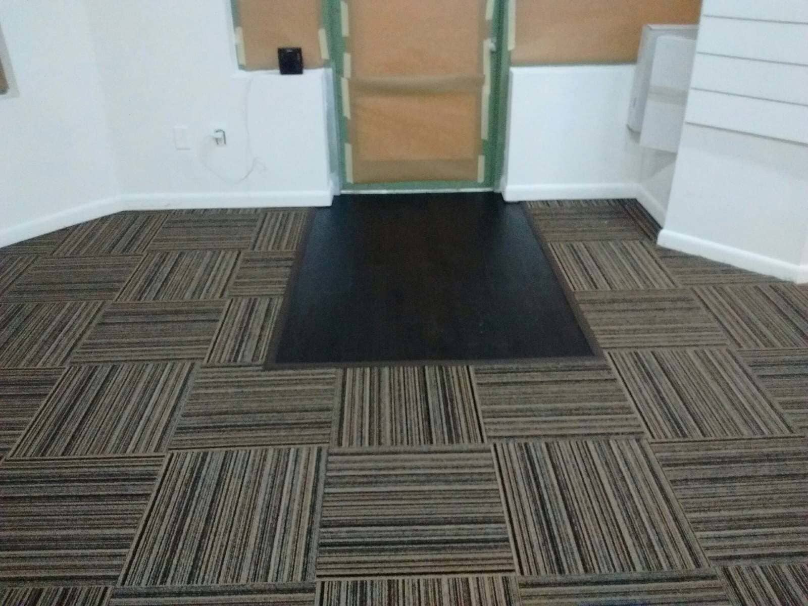 Patterned carpet in new construction project in Plantation, FL from Daniel Flooring